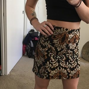 Adorable patterned skirt for any season